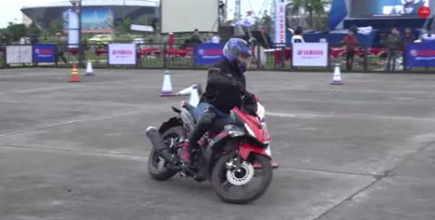 Phần thi Exciter 150 điêu luyện của Nữ Biker Sài Gòn