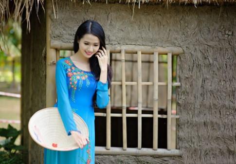 Phan Thi Mo e ap cung non la