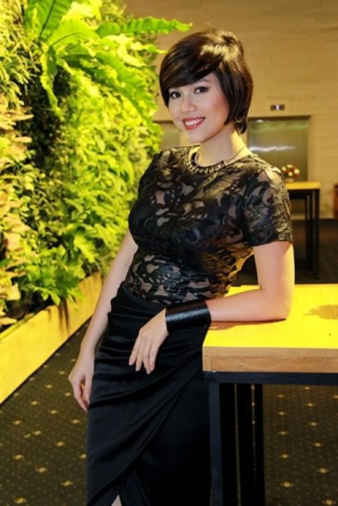 Phi Thanh Van, Hoang My vao top sao xau tuan qua