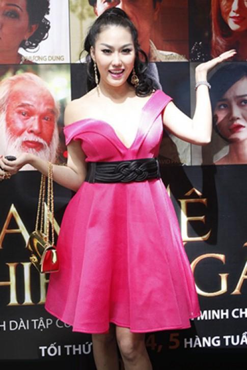 Phi Thanh Vân, Phương Thanh vào top sao mặc kém tinh tế tháng 11