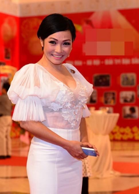 Phi Thanh Van, Thu Minh vao top sao mac xau tuan qua