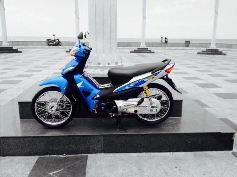 Phiên bản độ Wave S100 xanh dương độc đáo