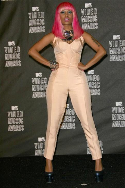 Phong cách từ sặc sỡ đến tối giản của Nicki Minaj