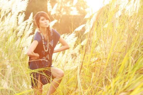 Phương Dung cá tính trên đồng cỏ