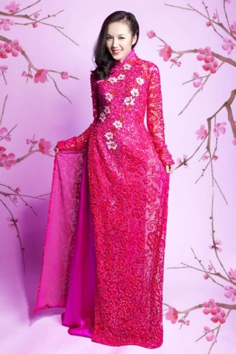 Phuong Linh cung em gai ruc ro ao dai