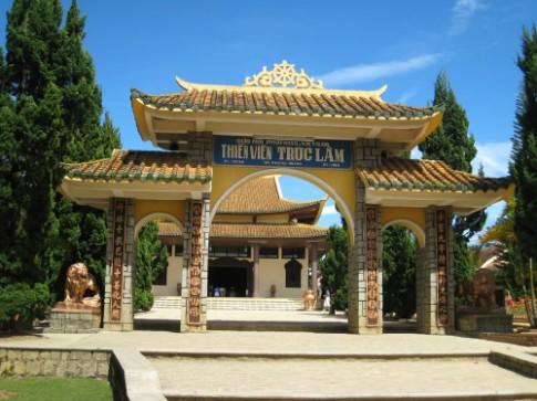 Phut tinh tam o Thien vien Truc Lam Da Lat