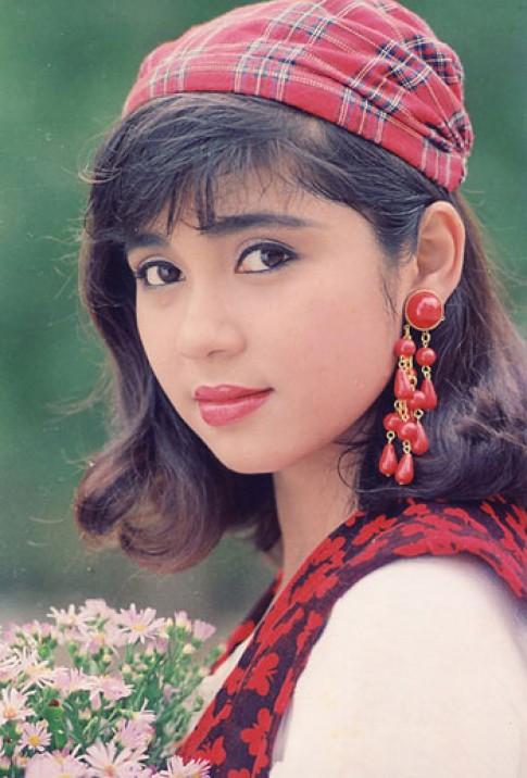 Qua trinh doi kieu toc cua Viet Trinh tu thap nien 1990