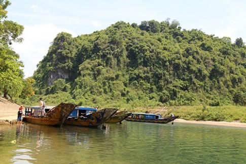 Quang Binh ho tro giu gia ve thuyen tham dong Phong Nha