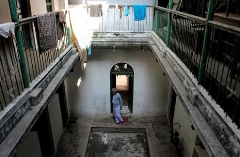 """Quang cảnh """"khách sạn"""" chờ chết ở Varanasi"""