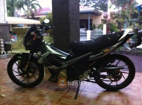 Raider R150 Đen mạnh mẽ từ 1 Biker Philippine