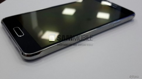 Samsung Alpha duoc xac nhan co man hinh do phan giai 720p