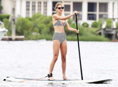 Sao dien bikini cam hung retro