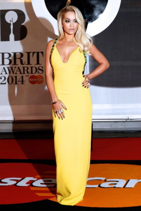 Sao goi cam tren tham do Brit Awards 2014