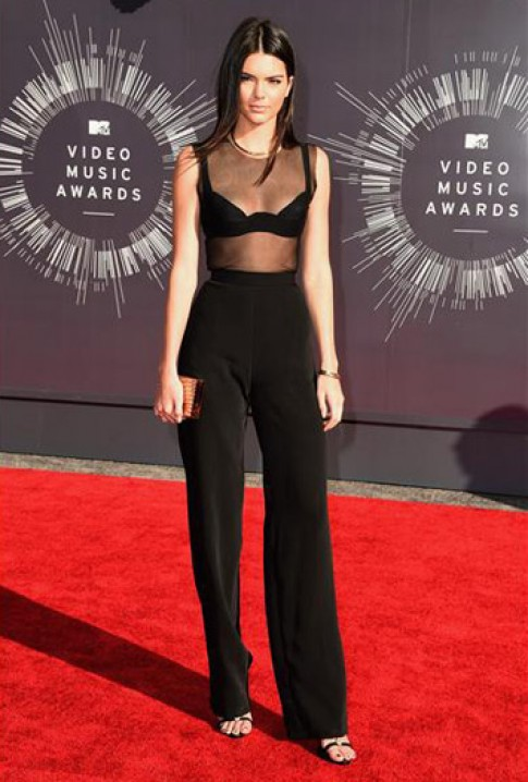 Sao tren tham do MTV Video Music Award 2014