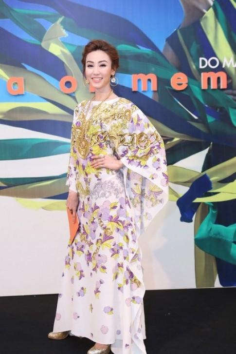 Sao Viet thanh lich di xem show cua Do Manh Cuong