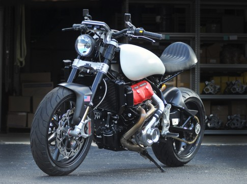 Sieu mo to trang bi dong co sieu nap moi cua Motus Motorcycles