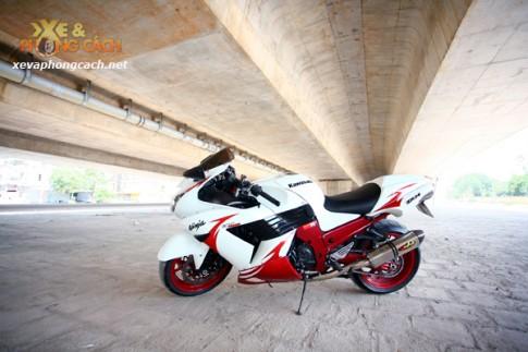 Siêu môtô Kawasaki Ninja ZX-14R độ của biker Hà Nội