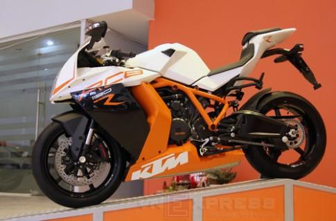 Siêu môtô KTM RC8R chính hãng đầu tiên tại Việt Nam