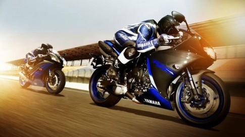 Sieu moto Yamaha R1 sap co 2 phien ban moi