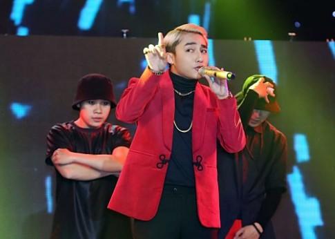 Son Tung M-TP nhay cung 30 vu cong trong 'Dem hoi chan dai'