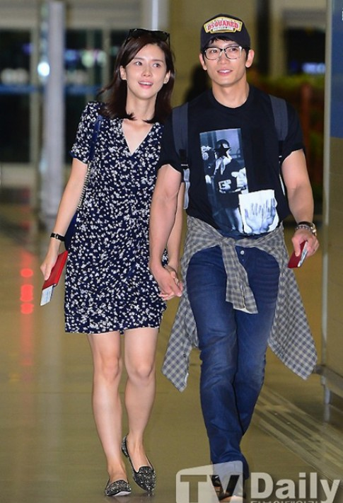 Style sân bay năng động của sao Hàn (2)