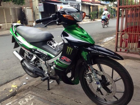 Su xi po phong cach Satria cung tem Monster