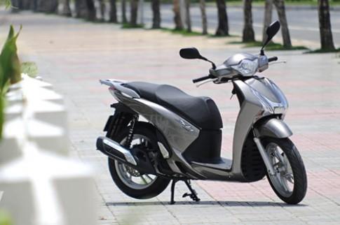 """""""Sùng bái"""" SH 150i một tháng người Việt mua gần 2.000 chiếc"""