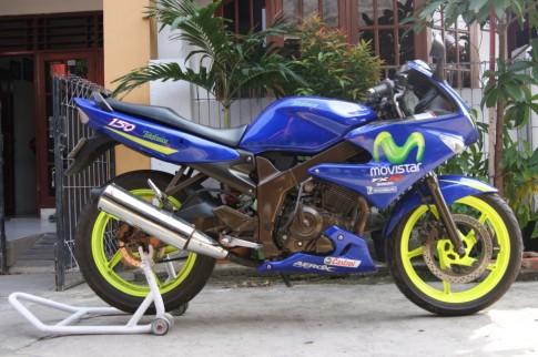 Suzuki FXR 150 phiên bản Movistar