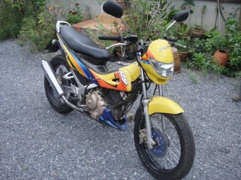 Suzuki Raider 125cc phong cách đình đám một thời