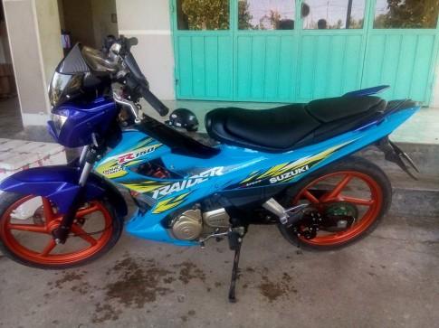 Suzuki Raider phien ban Quoc De Tien mang phong cach lac loai