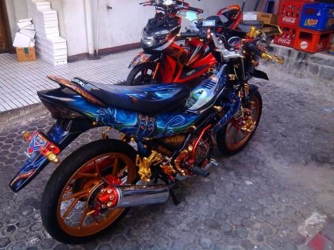 Suzuki Satria do khung theo phong cach Avatar