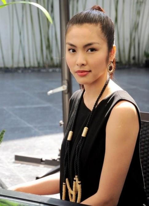 Tang Thanh Ha doi phong cach tu sau lay chong, sinh con