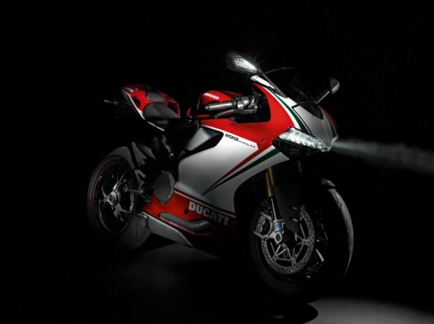 Thac mac nho khi Ducati 1199 dat 200 km/h trong 7,6s
