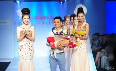 Thanh Hang, Thu Hang song doi dien vay cuoi