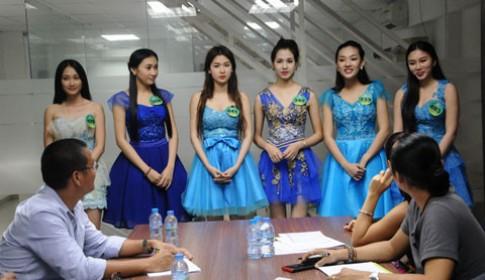 Thi sinh Miss Ngoi Sao tong duyet cho dem chung ket
