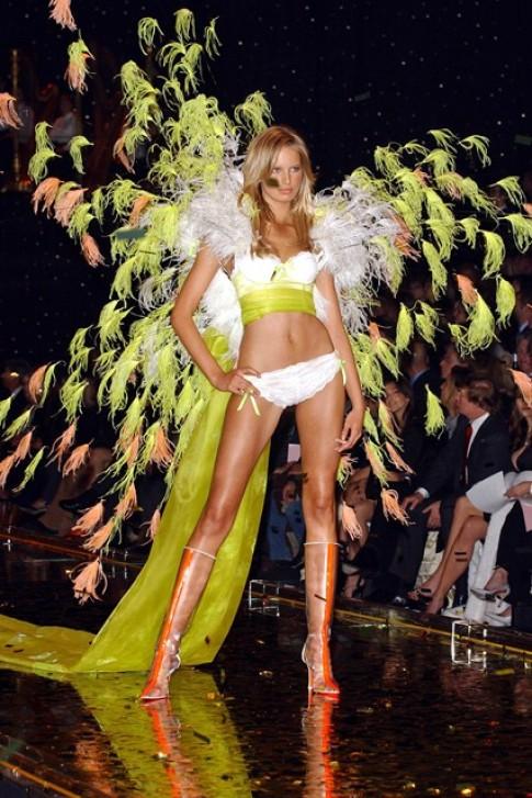 Thoi trang Victoria's Secret qua 18 nam (2)