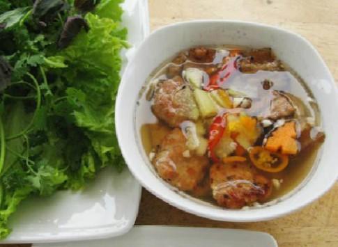 Thuong thuc bun cha vi Ha Noi tai Sai Gon