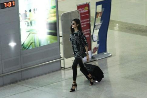 Trang Khieu, Hoang Thuy tro ve tu London Fashion Week