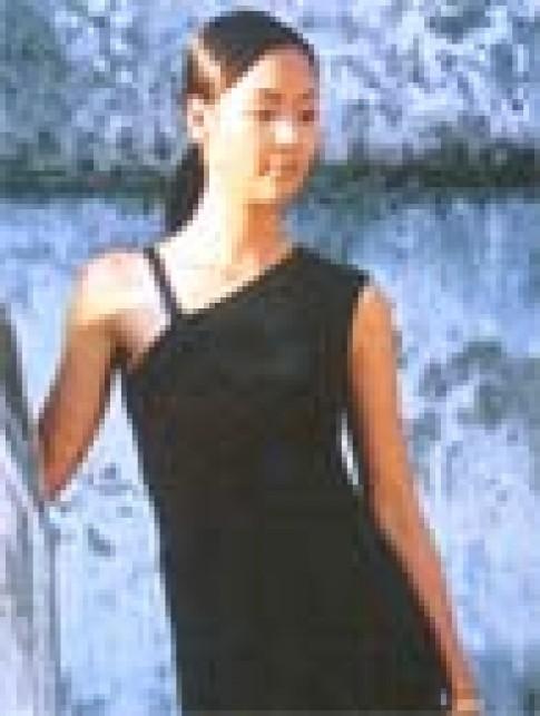 Trang phuc da hoi cua Linh Thu