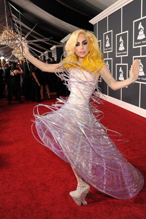 Trang phục dị thường của Lady Gaga