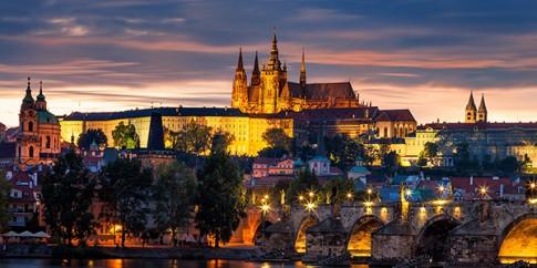 Tren nhung mai nha co tich Praha