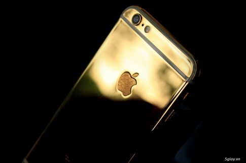 Tren tay iPhone 6 ma vang tai showroom Golden Ace