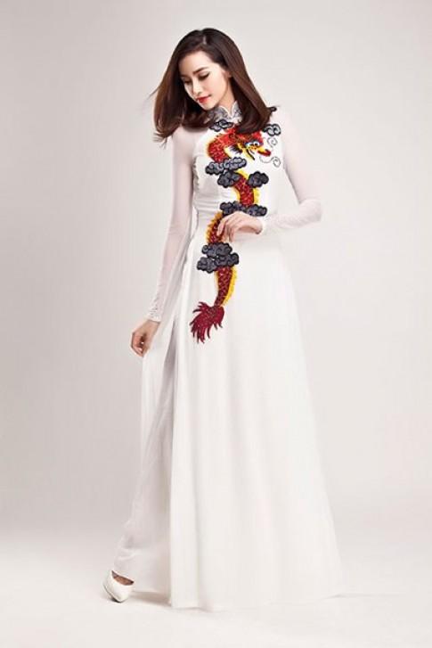 Trúc Diễm mang áo dài dự Liên hoan phim châu Á