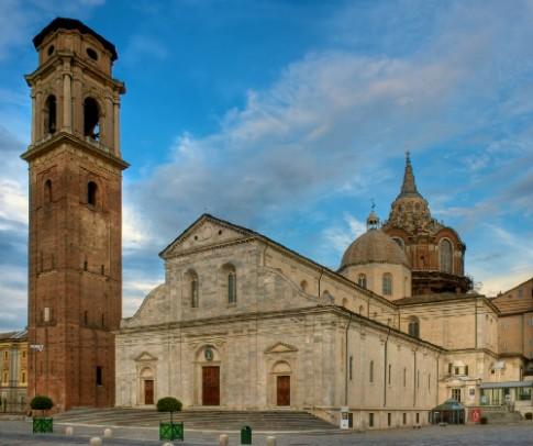 Turin, thành phó dạm chát Italy