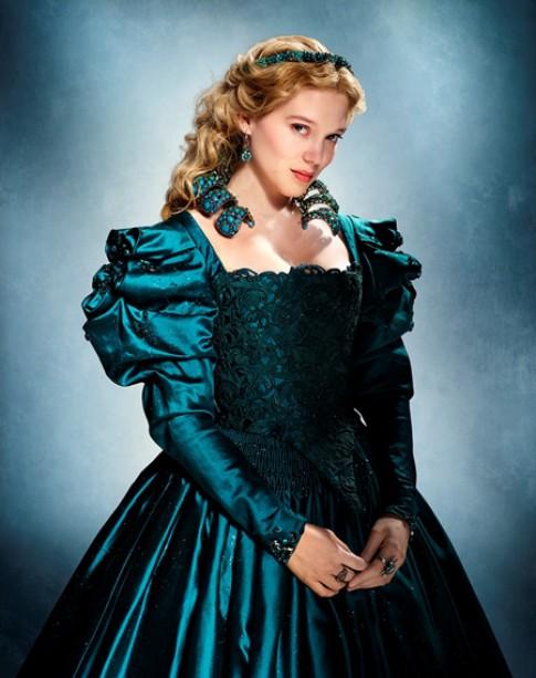 Váy áo tinh xảo, cầu kỳ trong 'Beauty