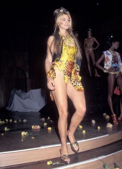 Vẻ đẹp đầy sức sống của người mẫu những năm 90