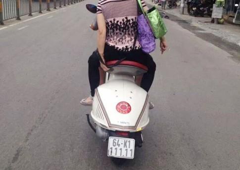 Vespa 946 xe tay ga dat tien cung bien ngu quy 1 tai Vinh Long