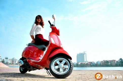 Vespa do net quyen ru cung Hot girl