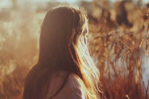 Vì cuộc đời luôn tuyệt vời nên em sẽ không tuyệt vọng...
