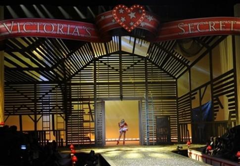 Victoria's Secret - đêm rực rỡ thời trang và nhan sắc